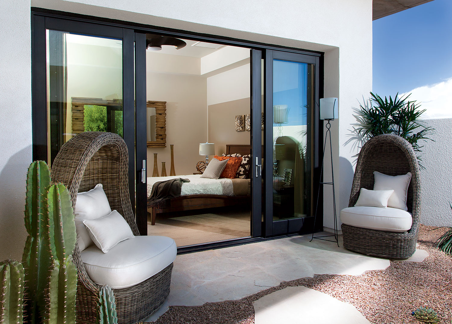 The Indoor-Outdoor Relationship: A New American Home Specialty on New Vision Outdoor Living id=58151